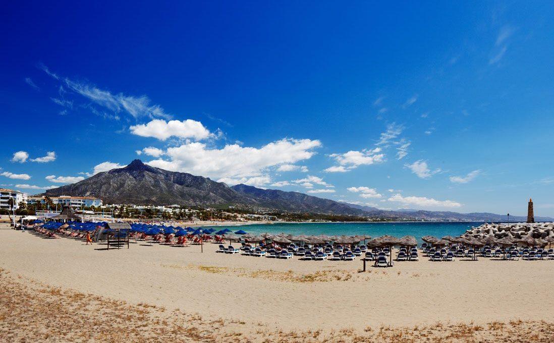 Playa-puerto-Banus-o-Rio-Verde-Marbella