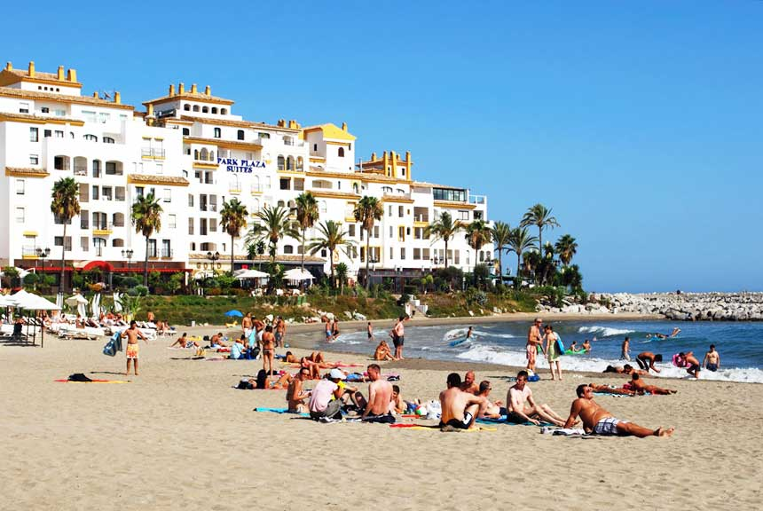 Playa-puerto-banus-Marbella2
